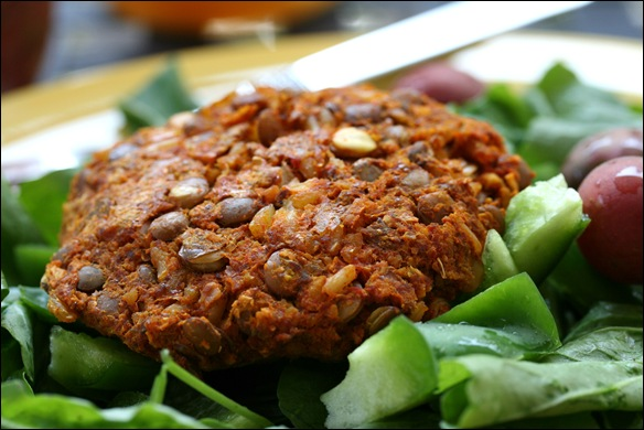 Easy Lentil Veggie Burgers (vegan) - fANNEtastic food | Registered ...